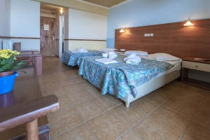 Double Room with Extra Bed Sea View, Kineta Beach Hotel: hotels rooms beach half board